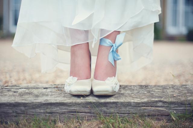 Cumplir con las tradiciones llevando algo azul - Foto: www.selwynsylvester.co.uk