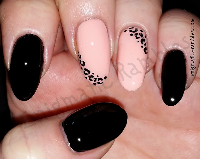 animal-print-nails