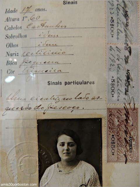 Pasaporte en el Azorean Whaleman Gallery del Museo de las Ballenas de New Bedford