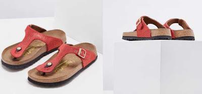 sandalias rojas de la marca Birkenstock