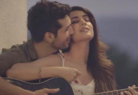 Fursat Lyrics & Video - Arjun Kanungo ft Sonal Chauhan