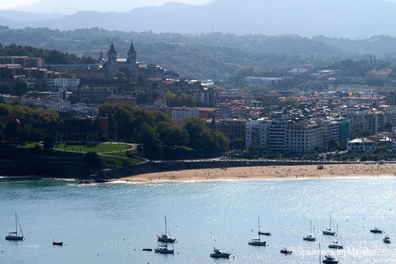 サン·セバスティアンの美しい海と街並み《La Concha, Donostia-San Sebastián》
