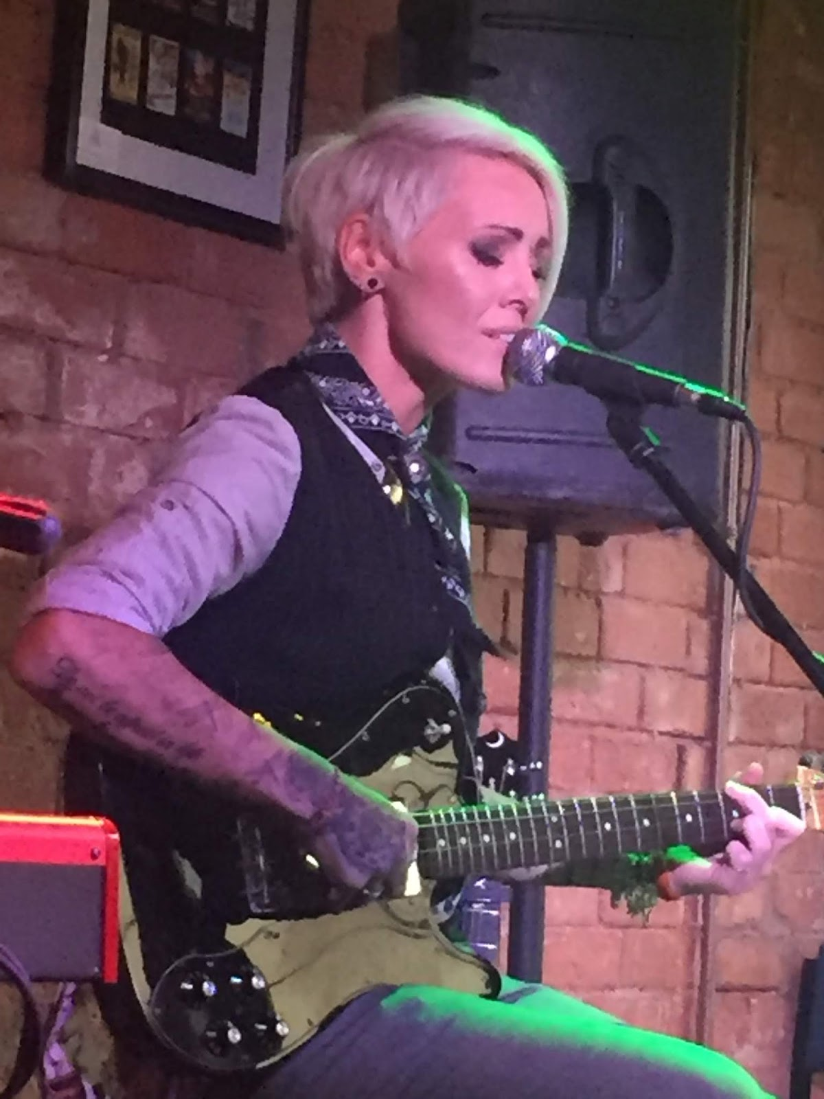 Three Chords And The Truth Uk Gig Review Jill Jackson Kitchen