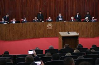http://vnoticia.com.br/noticia/2690-tse-mantem-revogacao-de-prisao-preventiva-do-ex-governador-do-rio-anthony-garotinho