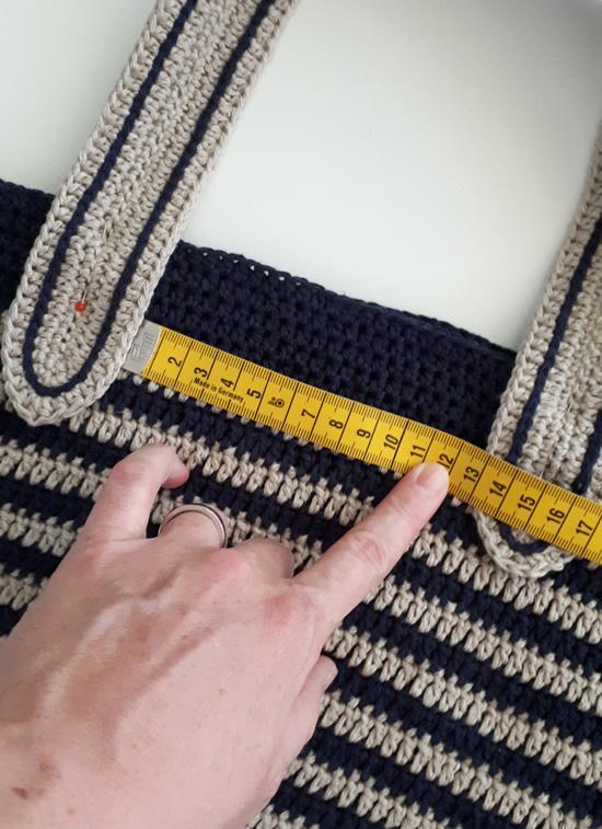 Crochet summer bag, free crochet pattern | Happy in Red
