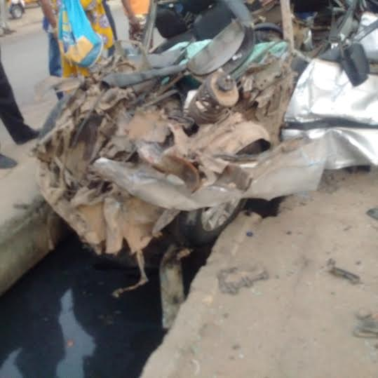 Graphic: 2 Die In Fatal Accident Along Oshodi-Apapa Expressway
