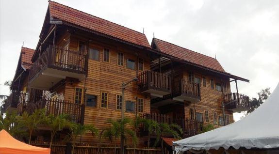 Kampong Pinang Sebatang Chalet Pengkalan Balak Melaka.