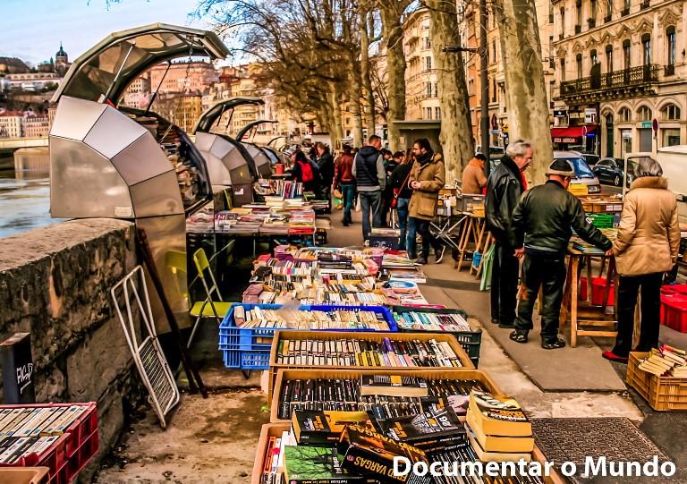 Quai de la Pêcherie; Marché des bouquinistes; Lyon