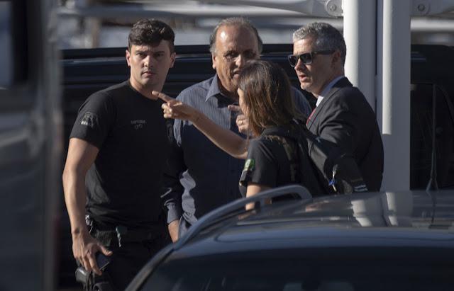 Com Pezão preso, fica exposta a política 'arrasada' no Rio