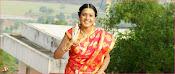 Aavu Puli Madhyalo Prabhas Pelli Movie Stills-thumbnail-7