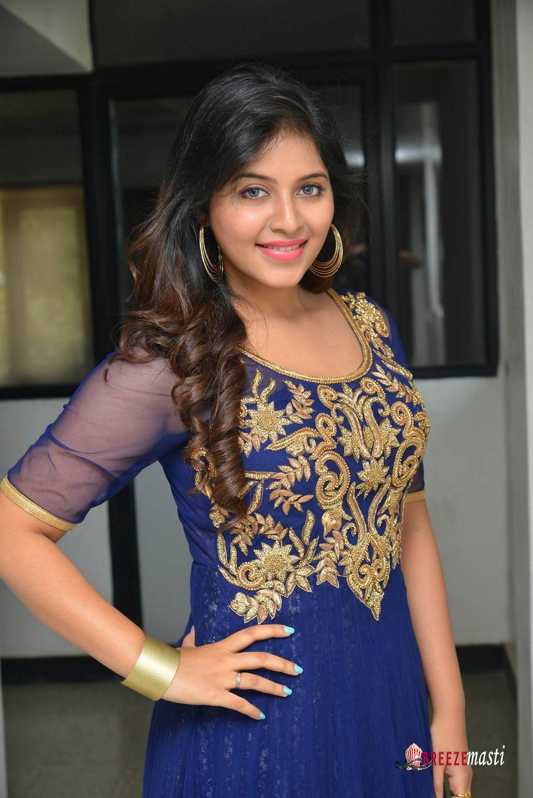 Aanjali south actress hd wallpaper download hd - South indian actress wallpaper ...