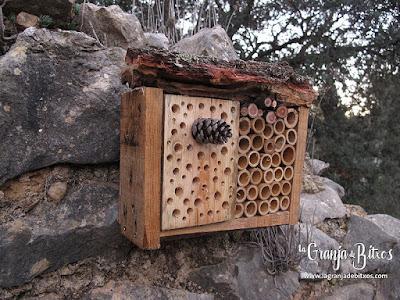 Caja nido para himenópteros