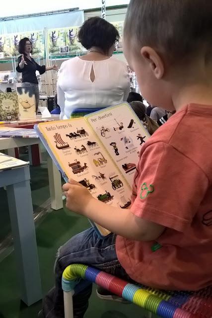 bambini amano la lettura