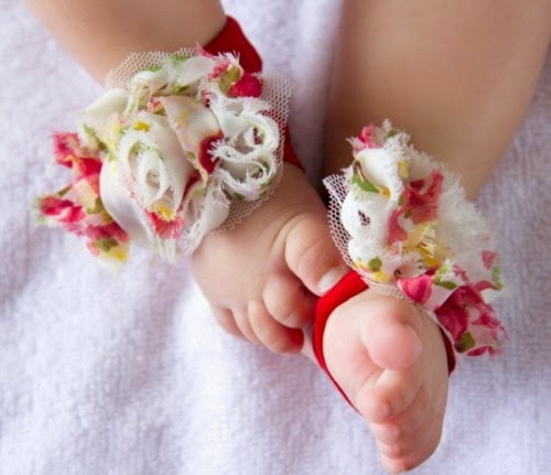 barefoot_sandals_shabby_chic_flowers_babies__16eb78f8 Per il Battesimo di Gioia... Mod. Abitino in pizzoUncategorized