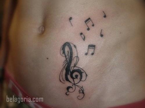 Vemos la foto de un Tatuaje musical