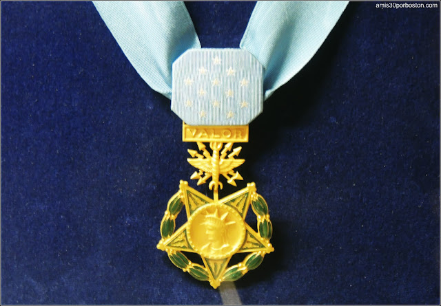 Medalla Valor USS Massachusetts en el Museo de Battleship Cove