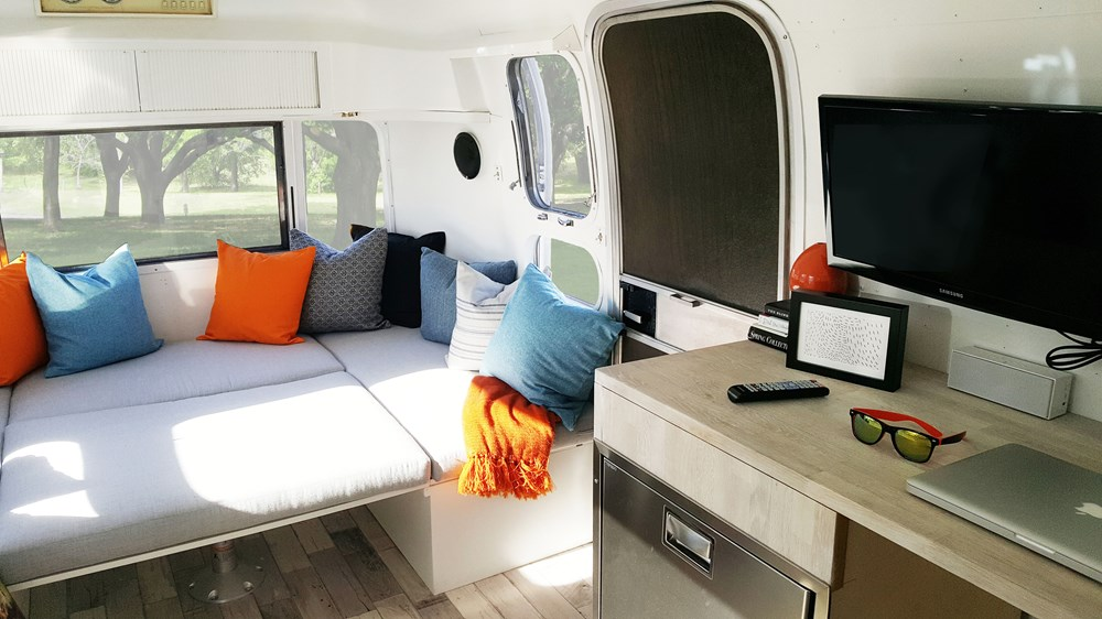 TINY HOUSE TOWN: Restored 1972 Airstream Trailer (180 Sq Ft)