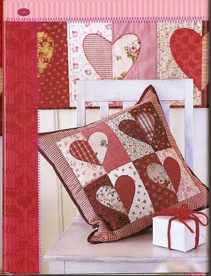 almofada de coração em patchwork