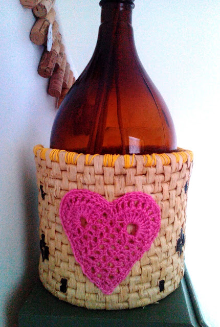 Basket with crochet hearts