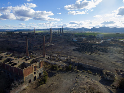 Ruinas del cerco industrial de Peñarroya (Hammer Dron)
