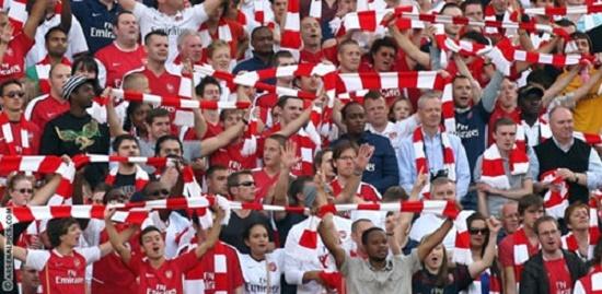 Người hâm mộ đón chờ thành công của Arsenal