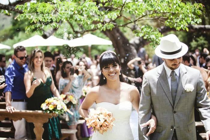 casamento-vale-verde-saida-noivos