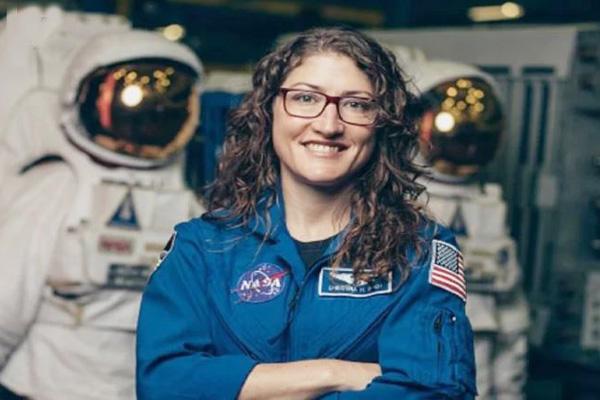 क्रिस्टीना अंतरिक्ष में 328 दिन बिताने का बनाएंगी कीर्तिमान