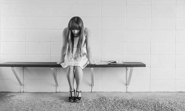 5 Cara Wanita Menutupi Kebohongan atau Menutupi Rahasia dari Pasangannya