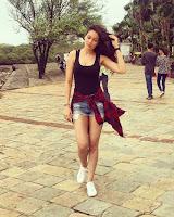 Waluscha De Souza in Shorts and Tank Top