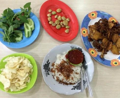Wisata Kuliner Makanan Nasi Uduk Toha Di Lampung