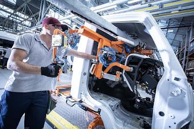 Mercedes-Benz renova linha de cabines de caminhões e amplia produção no ABC paulista
