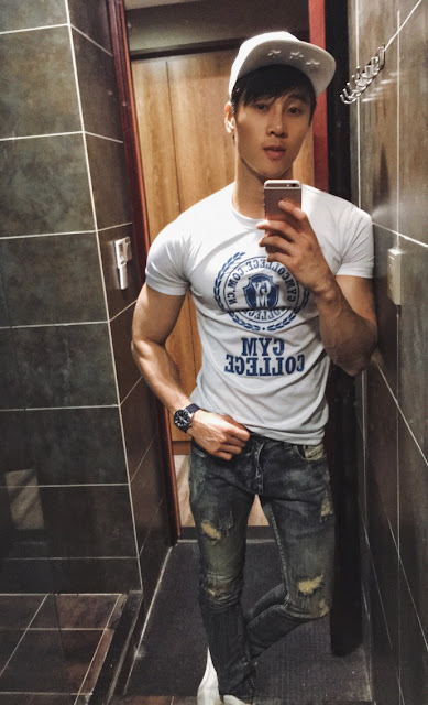 Chinese handsome fitness trainer leaked nude photos online