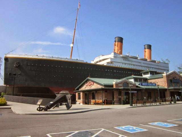 Relevant Tea Leaf: Titanic Museum in Pigeon Forge, TN