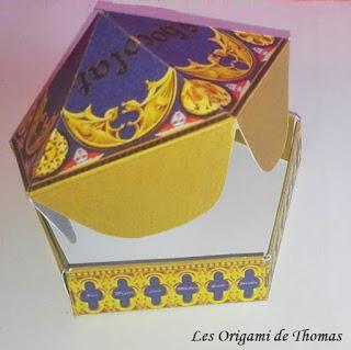 Boite chocogrenouille en Papercraft