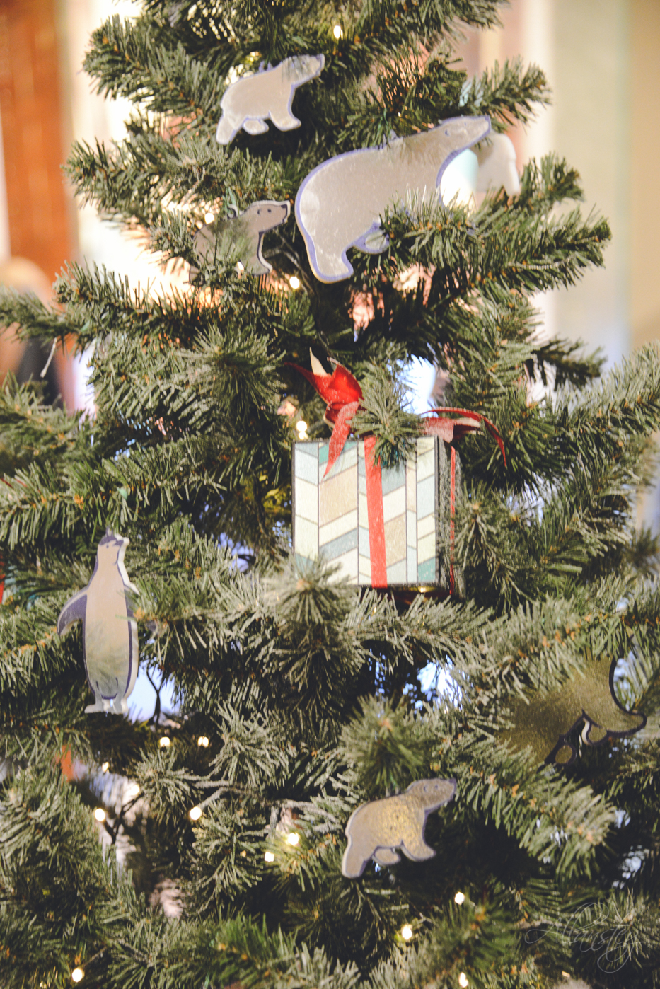Polar bears, penguins and gifts Christmas tree decorations