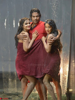 Romantic Stills from Tamil movie Jeyikkira Kuthira 004.jpg