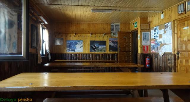 Refugio de la Laguna Grande, anteriormente Refugio Elola.