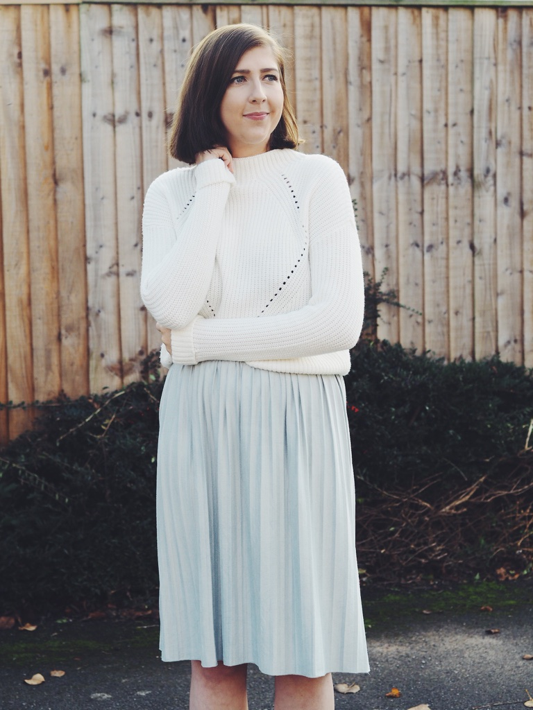 fbloggers, fblogger, fashionbloggers, fashionblogger, fashionbloggers, ootd, outfitoftheday, wiw, whatimwearing, lotd, lookoftheday, asseenonme, midiskirt, primarkoutfit, cocooncoat, silverboots