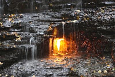 9 Wisata Api Abadi yang Terjadi Secara Ilmiah dan Tak Pernah Padam Di Dunia