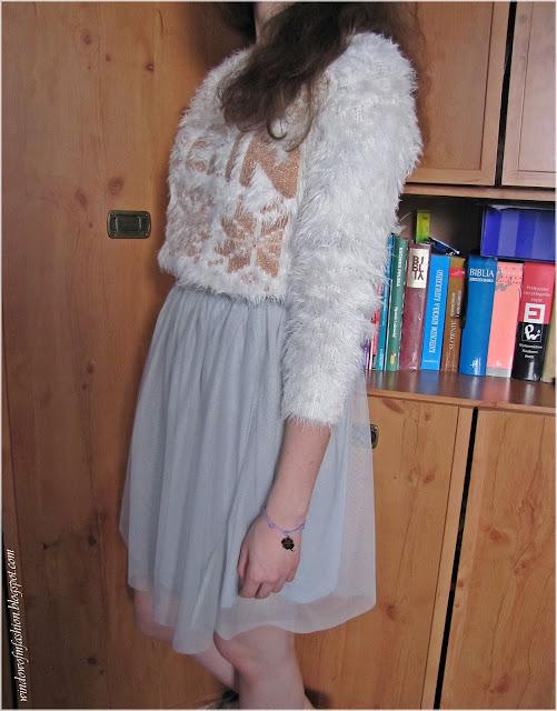 Sweter, spódnica, bransoletka