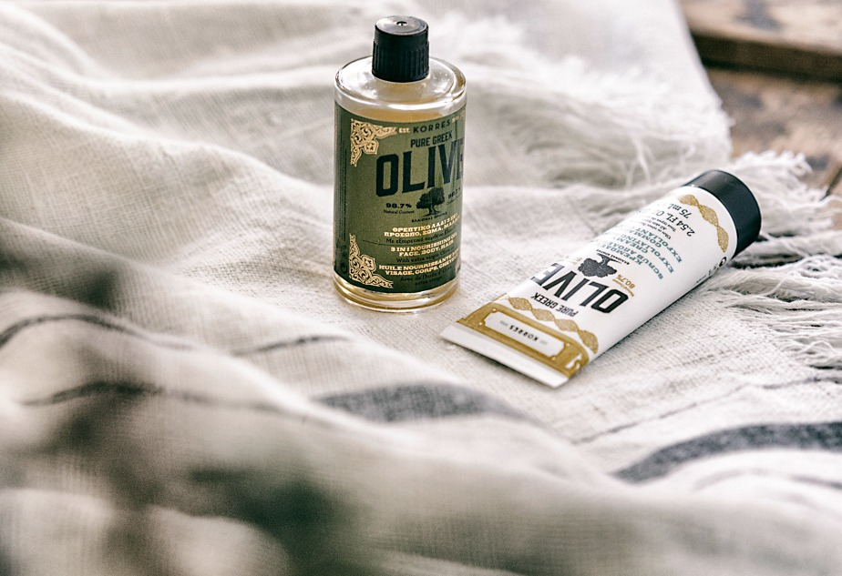 Korres, Olive, öljy, oil, kuorinta, kuorintavoide, exfoliating, valokuvaaja, Frida Steiner, Visualaddict, kosmetiikka, cosmetics, Pure green Olive, pellava, pellavapyyhe