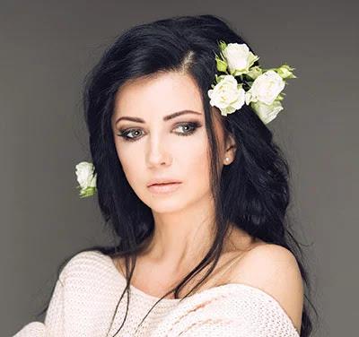 Natalia Dzenkiv Lama, celebrities in trouble, celebrities detained at airport