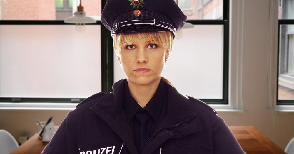 Polizistin-hasst-ihre-Kollegin-weil-sie-immer-das-Gleiche-anhat-wie-sie