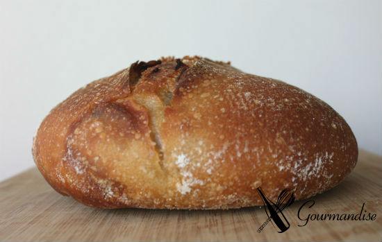 Pão de espelta e pancetta