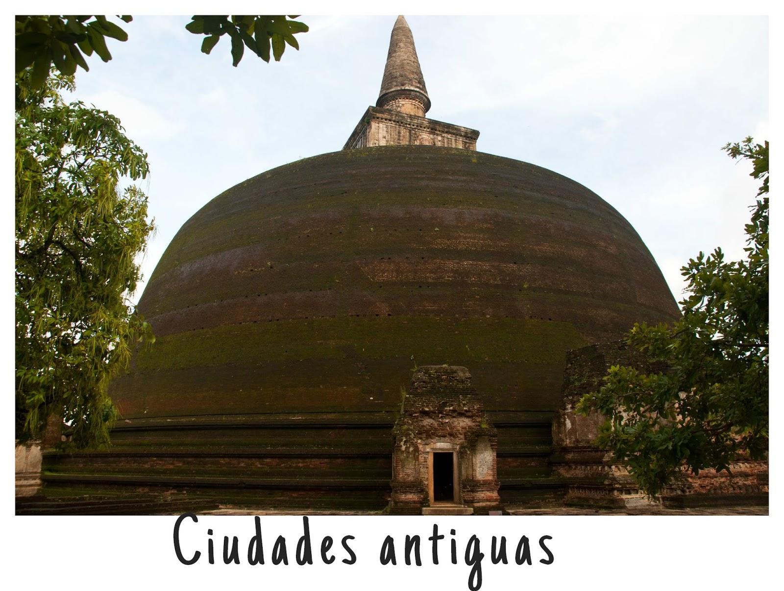 http://www.depatitasenelmundo.es/2014/12/de-paseo-por-las-ciudades-antiguas.html