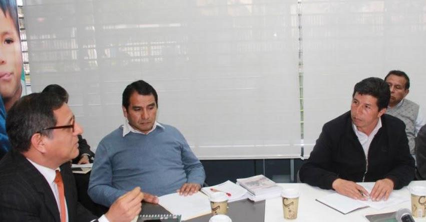 Ministerio de Educación se reunió con gremios magisteriales del SUTEP y FENATEPERÚ