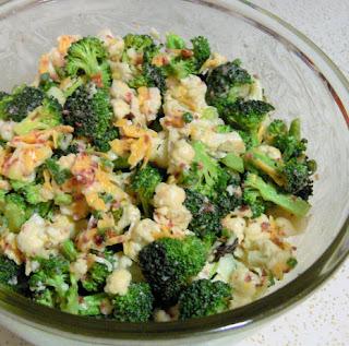 Broccoli Cauliflower Salad (Brokoli Karnibahar Salatasi)