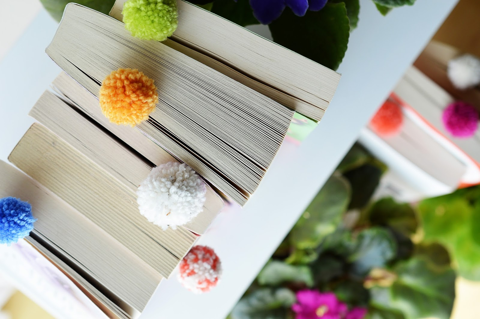 DIY Pom Pom Bookmarks | Motte's Blog