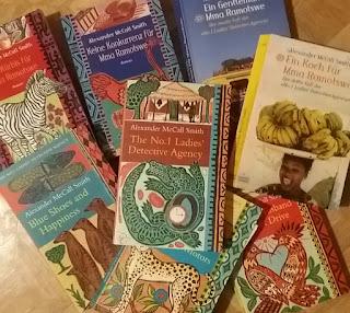 das Bild zeigt einige Ramotswe-Bücher