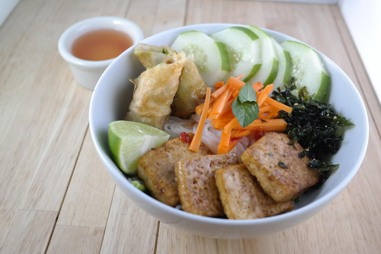 Bun chay vegetarian vietnamese vermicelli bowl for Vegetarian fish sauce